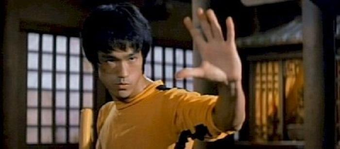 Gold Paradox Recalls Bruce Lee's Fighting (and Investing) Advice - Peter Diekmeyer